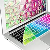 kwmobile Tastaturschutz Apple MacBook Air 13''/Pro Retina 13''/15'' (bis Mitte 2016) - QWERTZ Silikon Laptop Tastaturfolie - Notebook Tastaturschutzfolie Farbverlauf Design Mehrfarbig Grün Blau
