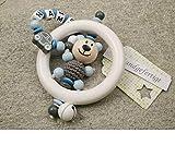 Baby Greifling Rassel Beißring mit Namen - individuelles Holz Lernspielzeug als Geschenk zur Geburt Taufe - Jungen Motiv Bär und Auto in grau