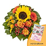 Dominik Blumen und Pflanzen, Blumenstrauß 'Sonnenlicht' mit einer Sonnenblume, orangen Rosen, Germini, Färberdistel und Goldrute und Grußkarte 'Alles Liebe'